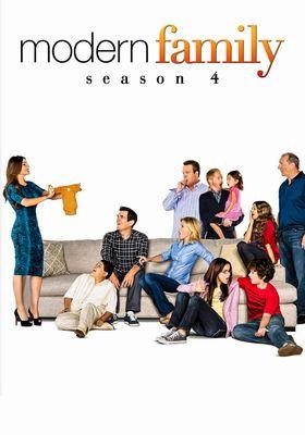 Modern Family Season 4's Poster